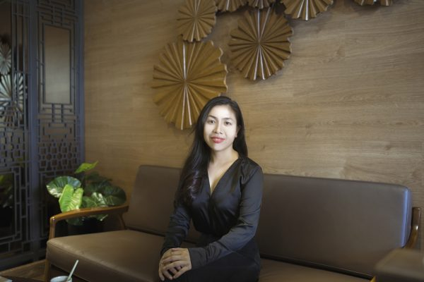 """SPA TRAINER – MS. HONG TRINH """"PASSING ON THE PASSION IS THE KEY OF TRAINING"""""""
